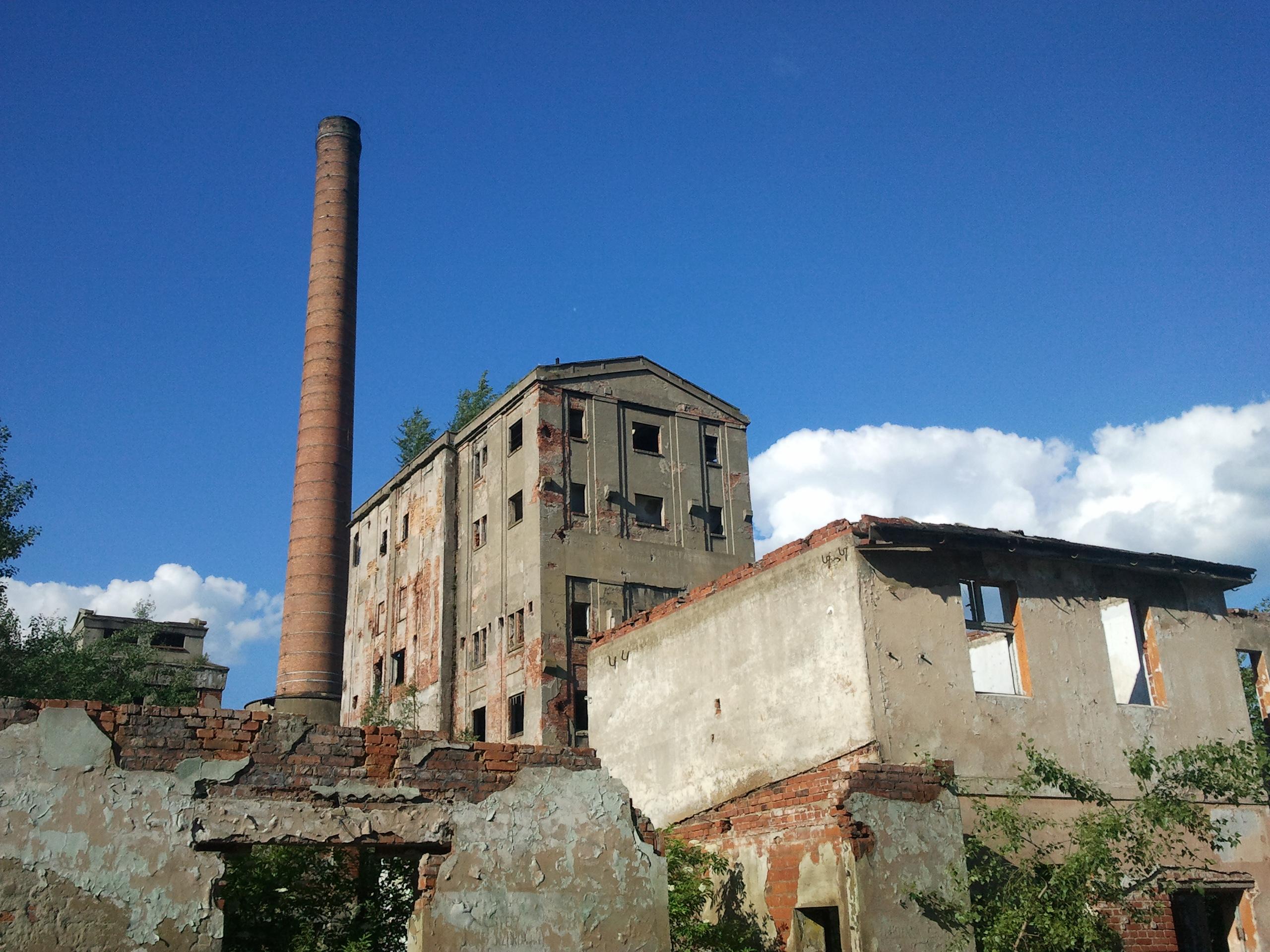 Fabryka Papieru i Celulozy w Malczycach - ruiny