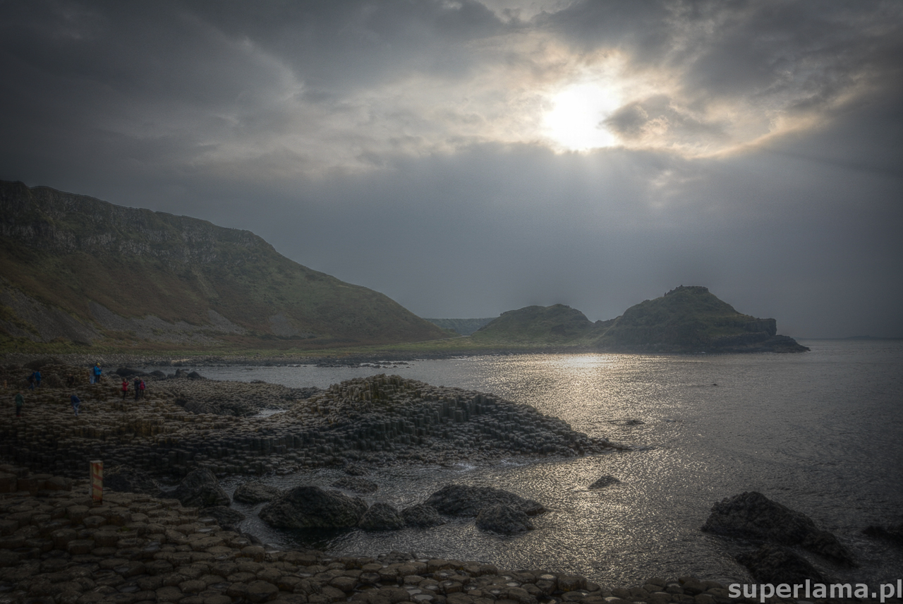 superlama-Giants-Causeway-HDR-dusk